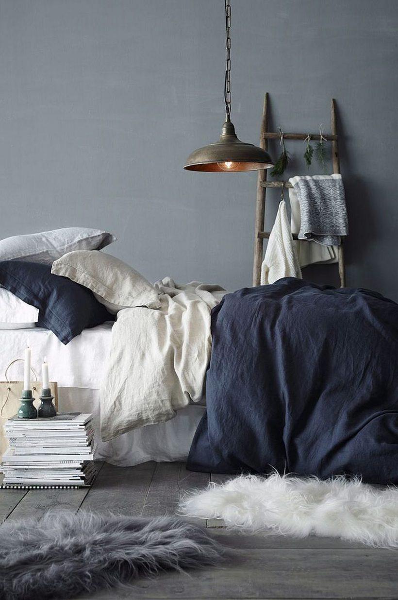 Un toque de elegancia lamentable de moda para la pequeña habitación en azul y gris