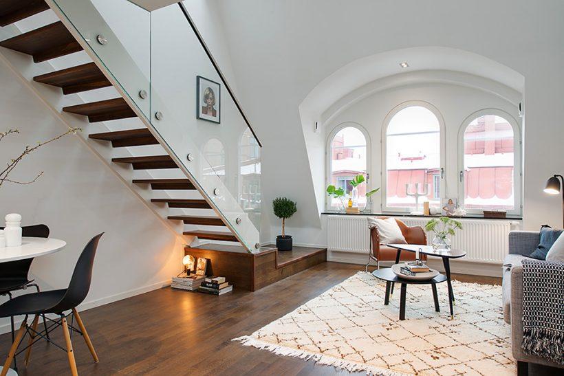 Okouzlující byt v centru Stockholmu naplněn Světlem