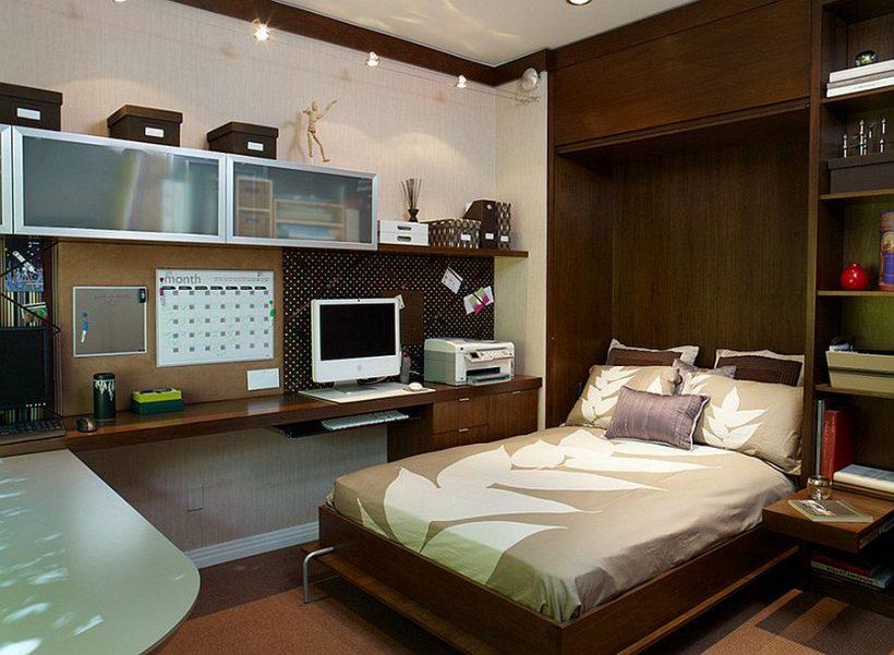 cama plegable le permite activar incluso la pequeña oficina en casa en una habitación de huéspedes encantadora
