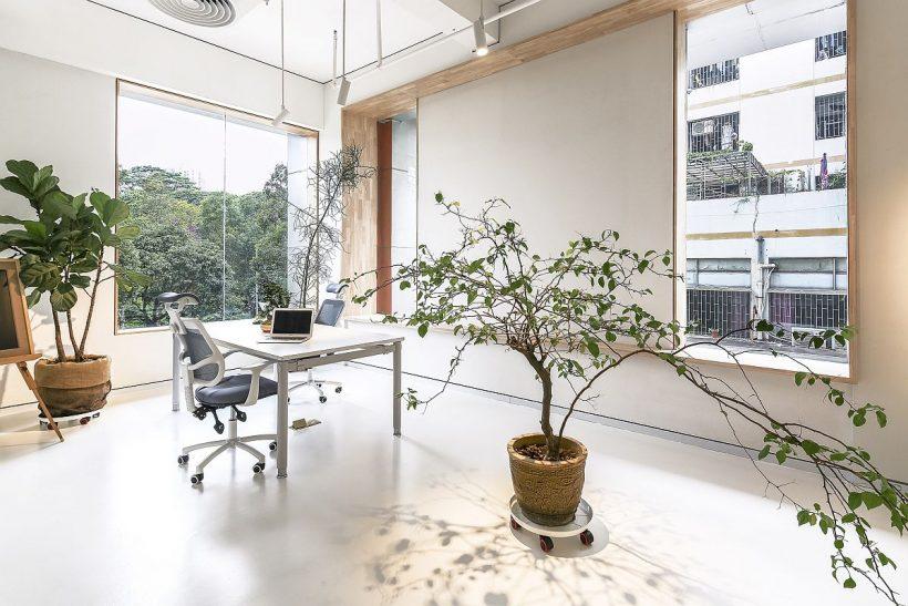 Relajante, oficina moderna en blanco en Shenzhen, China
