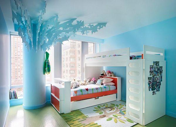 azul niños dormitorio con literas y el árbol