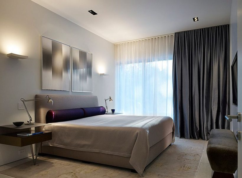 Sujungti šviesos balniškumas užuolaidas su naktinės užuolaidos miegamajame