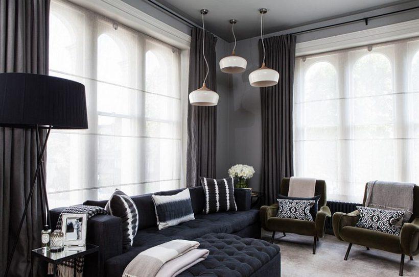 Темні штори виглядають так елегантно, як легше біліше версій, коли використовується право