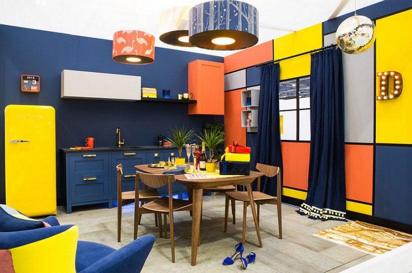 Eclectic virtuve Londonā pilns ar krāsu