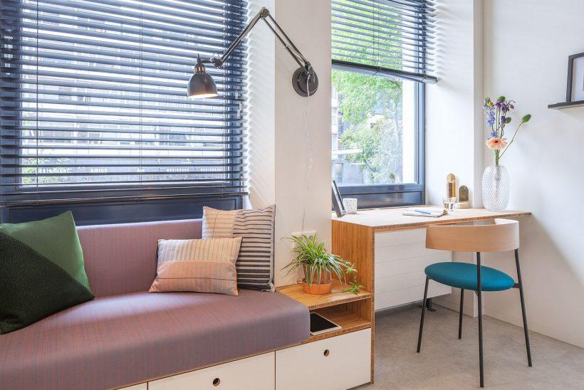 Ergonomski kotiček delovne postaje za majhno stanovanje