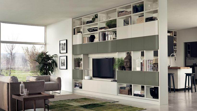 Fluida stenový systém použitý ako prepážka medzi kuchyňou a obývačkou