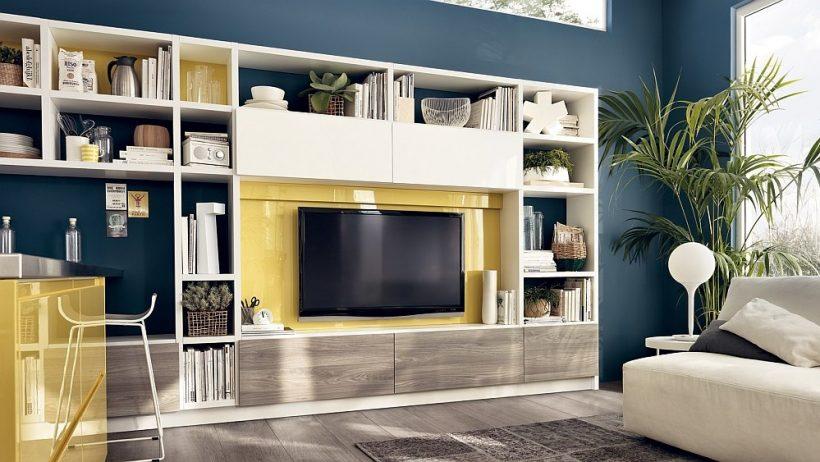 Obývačka stena s univerzálne riešenie skladovacích