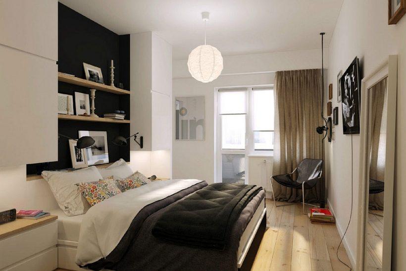 Pequeño dormitorio en el apartamento de Rusia con estantes inteligentes