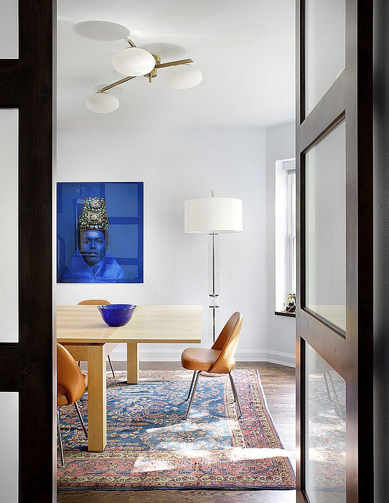 Tussenruimte het precies goed in de eetkamer met tapijt