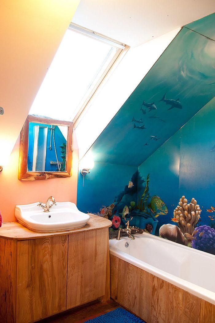mural de la pared impermeable añade color al pequeño cuarto de baño