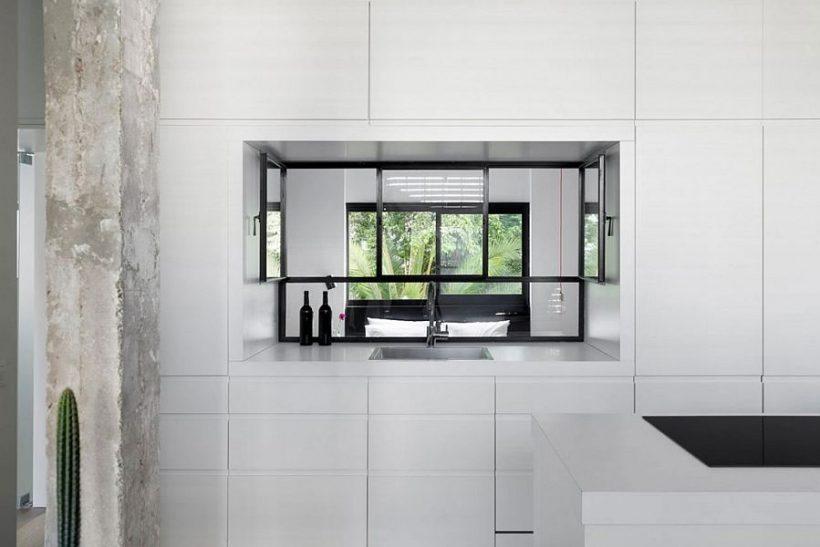 Window köögis kapid võimaldab läbipääsu loomulikku valgust magamistuppa