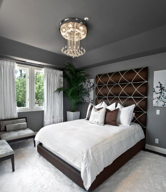 Panele z jedwabnej tkaniny podobny ozdobiony wstążką oferują elegancką opcję.