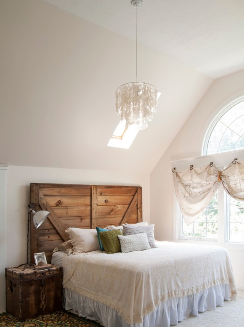 Kończąc starej stodole drzwi dodaje rustykalny elegancki styl.