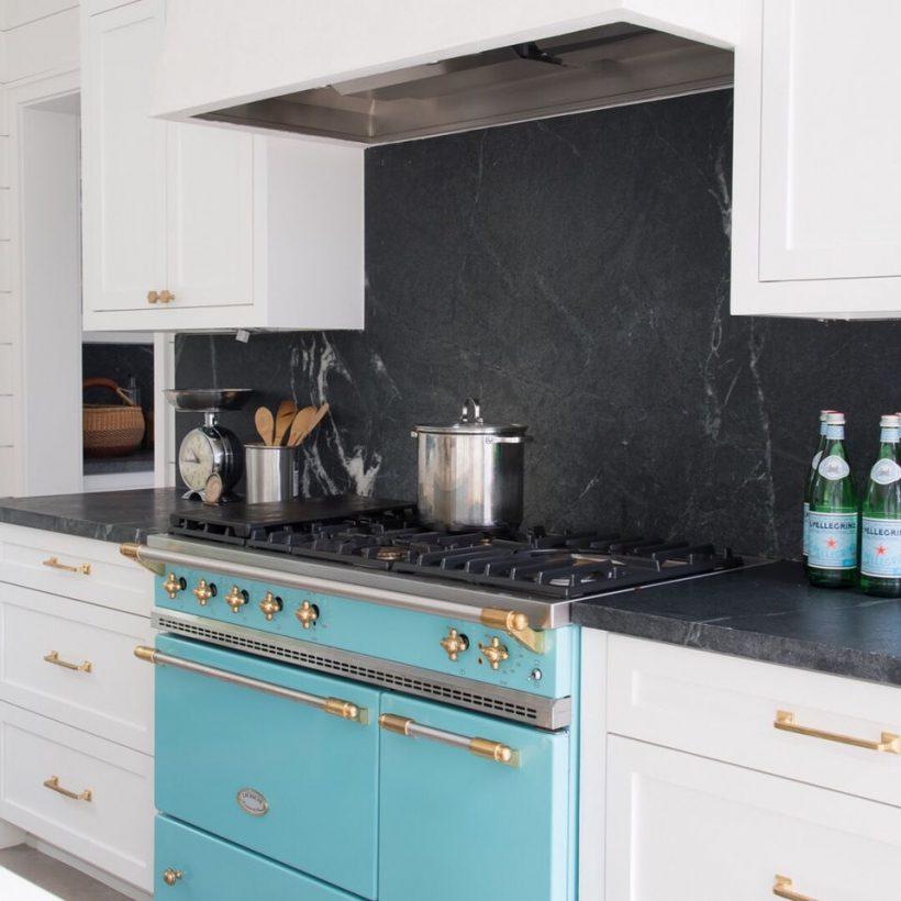 La pietra ollare controsoffitto in una cucina di lusso