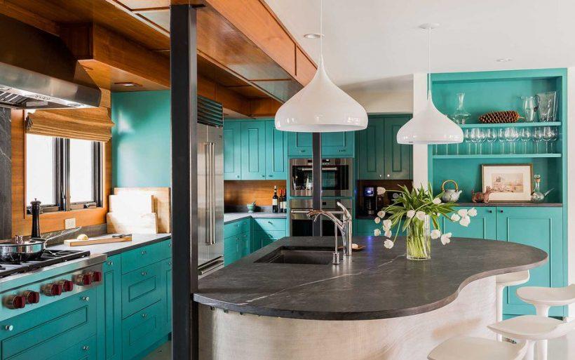 Midcentury inspireeritud köök Voolukivil Countertop