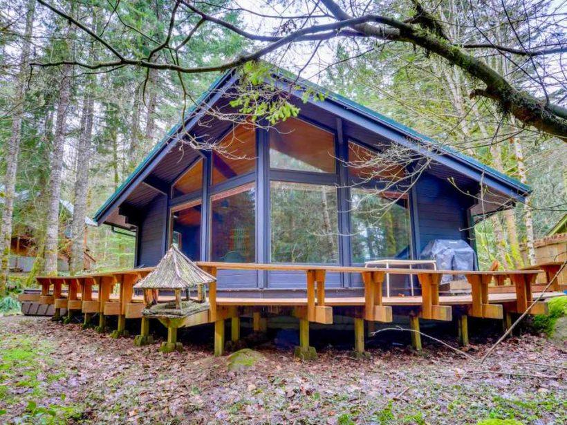 Woodland Home Вдъхновен от бунгало на средата на века